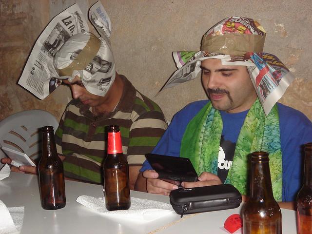 Mejicanos Imbéciles jugando a la maquineta (2009)